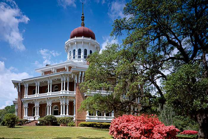 Pictures Of A Fabulous Southern Mansion